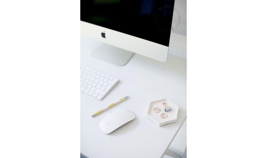 desktop with gold tones