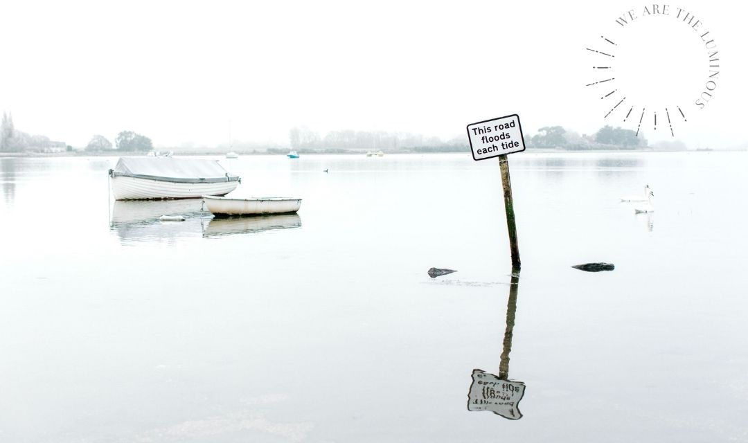 flood sign in harbour