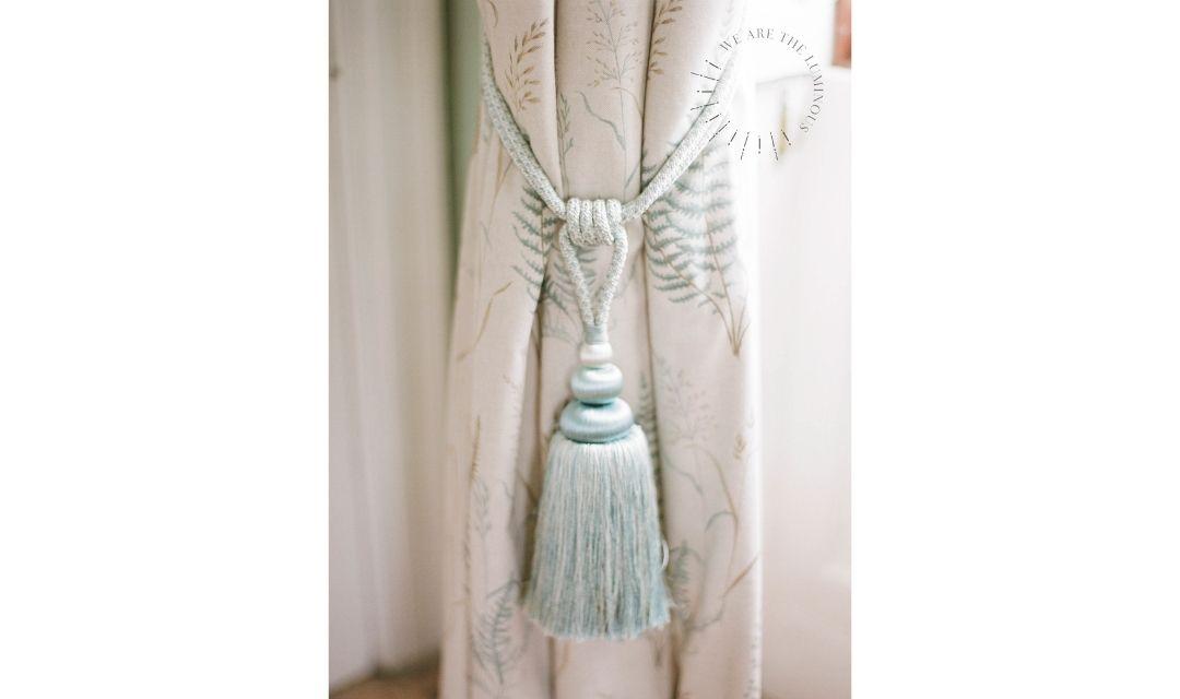 silk curtain tie